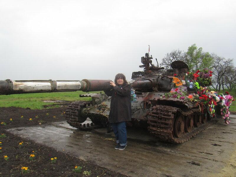 танк между Хрящеватым и Новосветловкой я-1.jpg