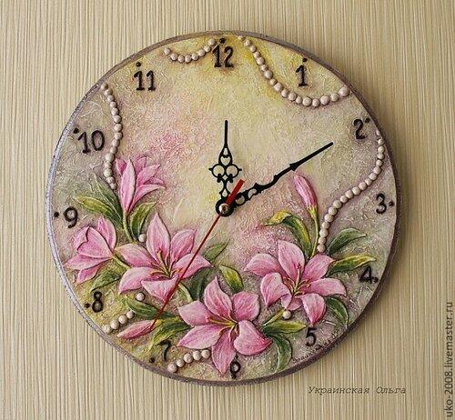 Часы в объемной технике