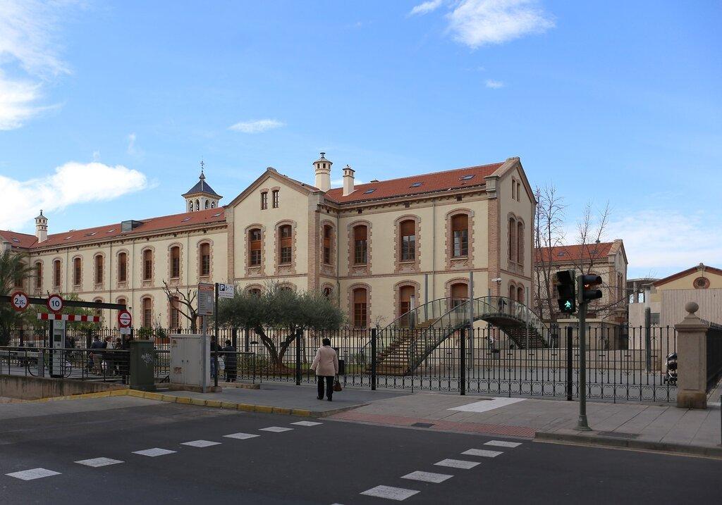 Кастельон-де-ла-ПланаEl Hospital Provincial. Центральный госпиталь провинции