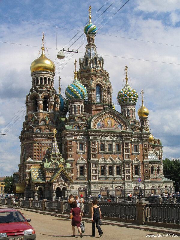 Храм был сооружён в память о покушении на императора Александра Второго