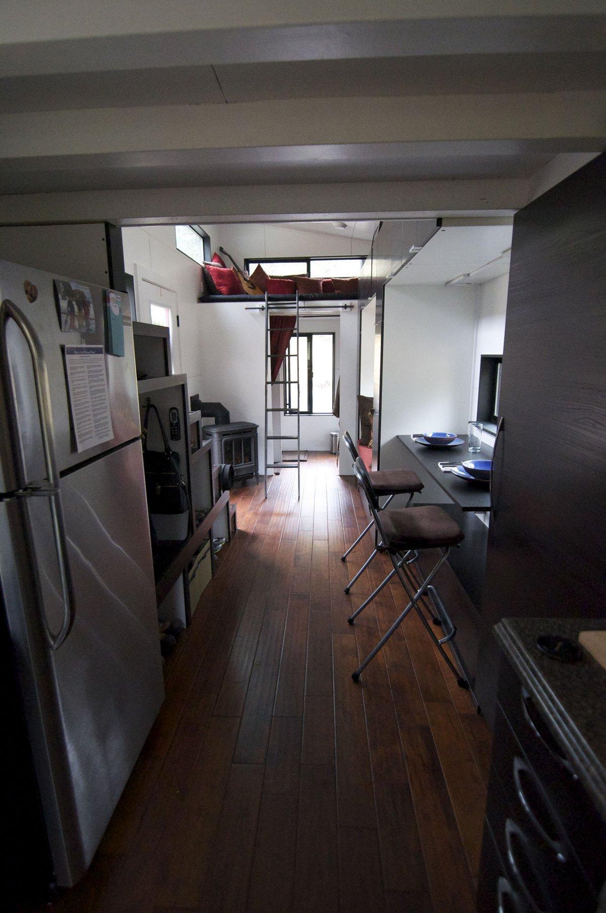 hOMe, Andrew Morrison, Gabriella Morrison, дом на колесах, Tiny House Build, крошечный дом, видео обзор дом на колесах, жилой трейлер