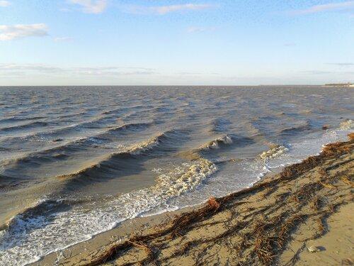 Водное беспокойство в моменты берегового соприкосновения...
