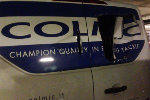 Из автобуса команды Италии украли удочки