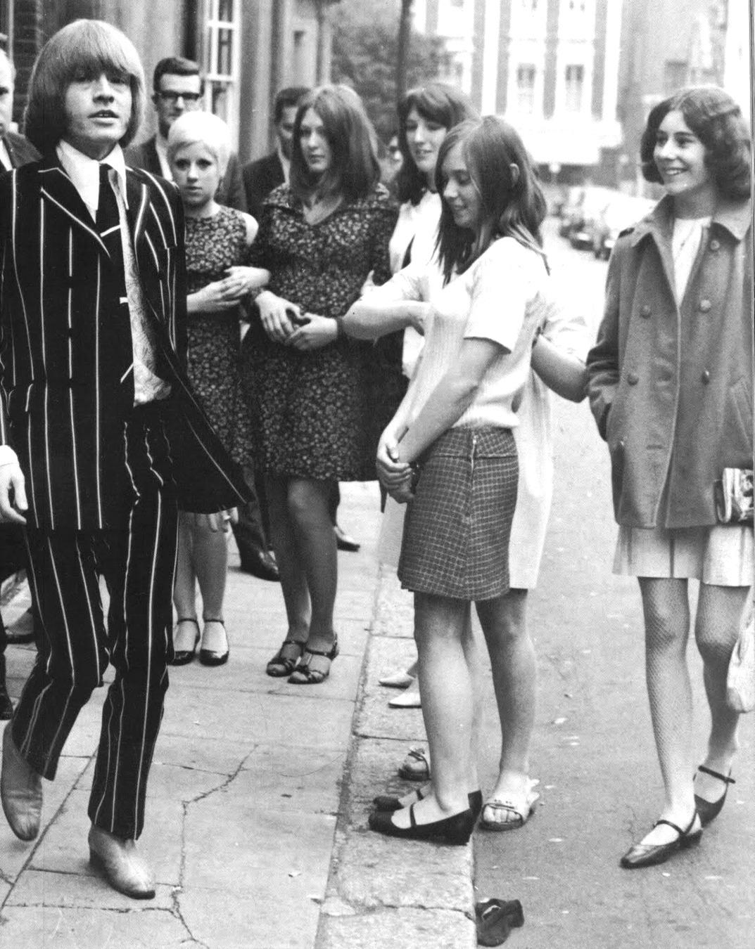 1966. Брайан Джонс