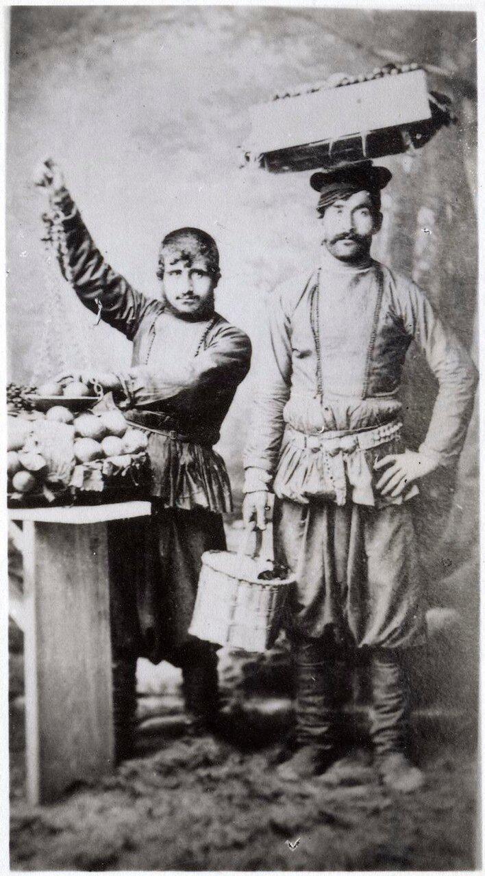 Уличные торговцы на Кавказе