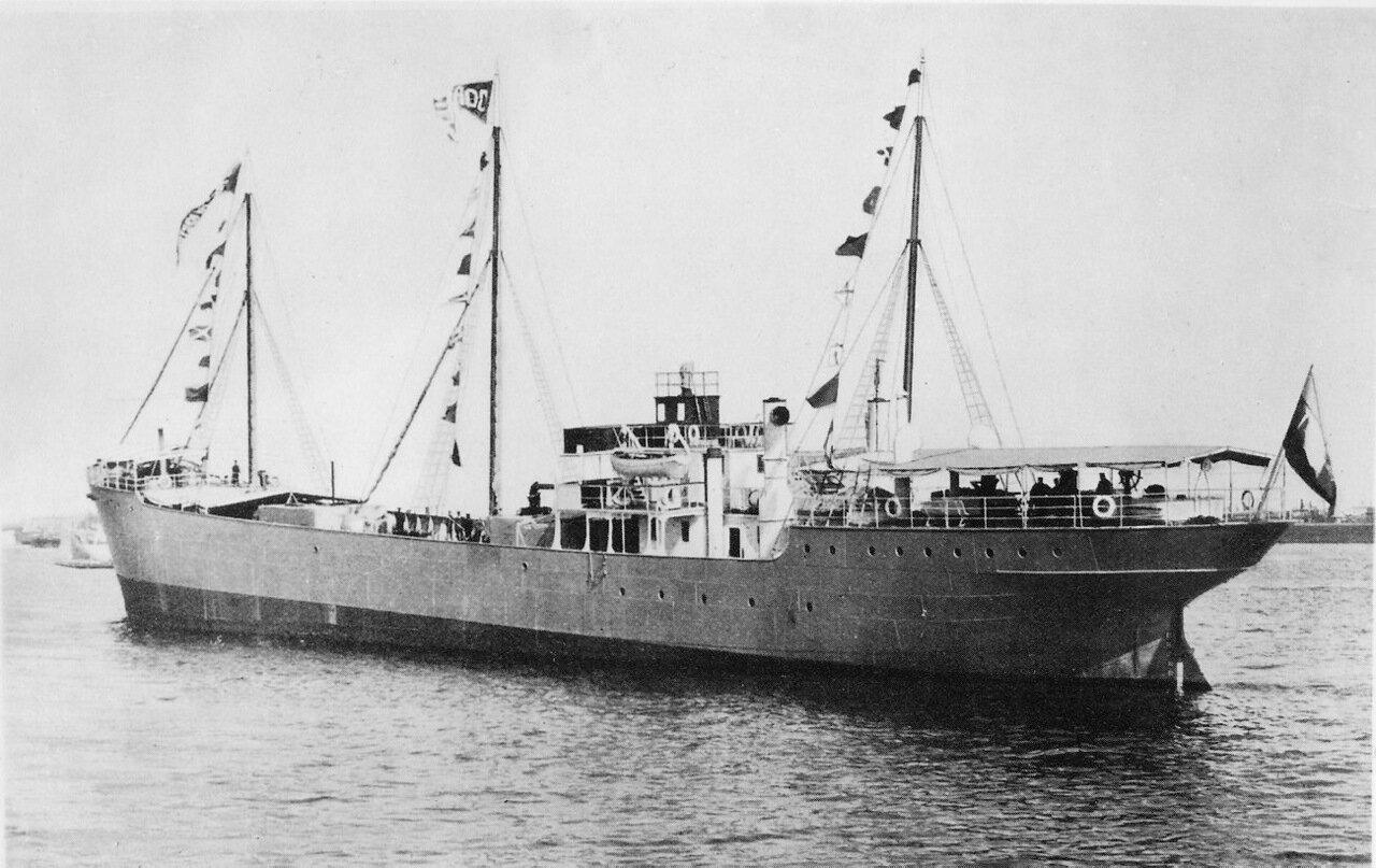 Танкер «Зороастр»  - первый в мире самоходный металлический (из бессемеровской стали) нефтеналивной паровой танкер