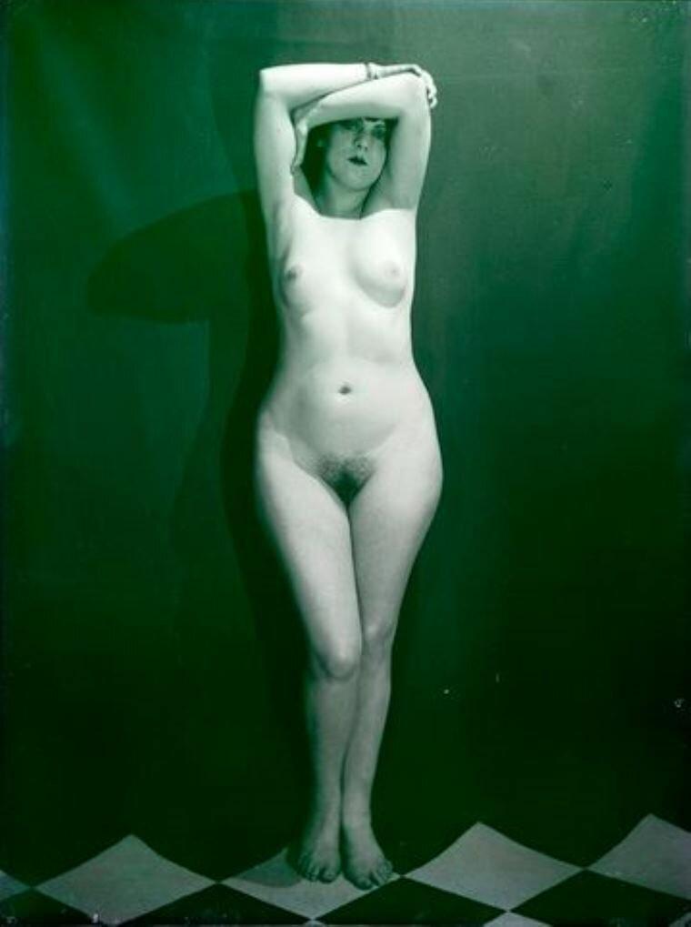 1924. Ман Рэй. Кики с Монпарнаса