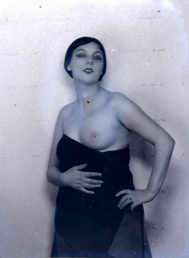 1925. Кики с Монпарнаса