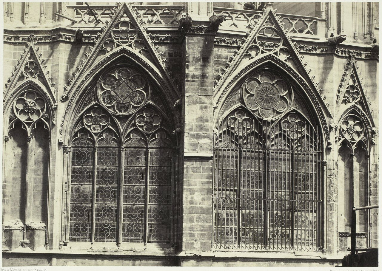 05. Окна на фасаде собора