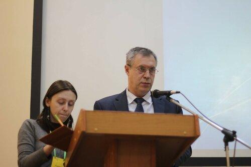 Министр природных ресурсов и экологии Иркутской области Олег Кравчук выступает на IХ международной конференции «Реки Сибири и Дальнего Востока» в Иркутске