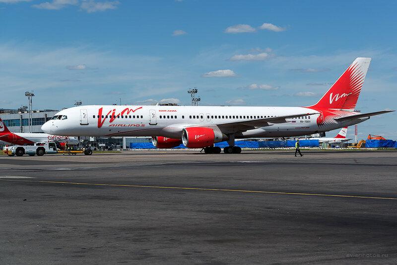 Boeing 757-230 (RA-73011) ВИМ-Авиа D808569
