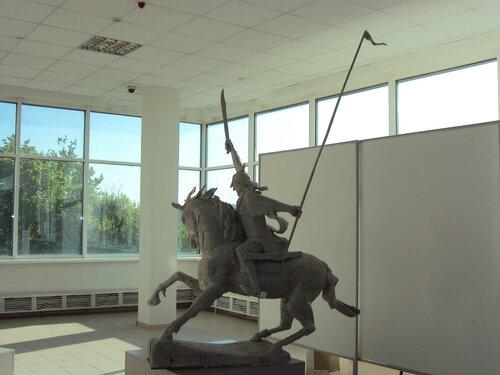 Пупин П.С. Род. 1954. (Воин ?) На выставке