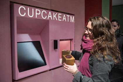 Нью-Йорк отличился выпуском первого автомата подающего капкейки