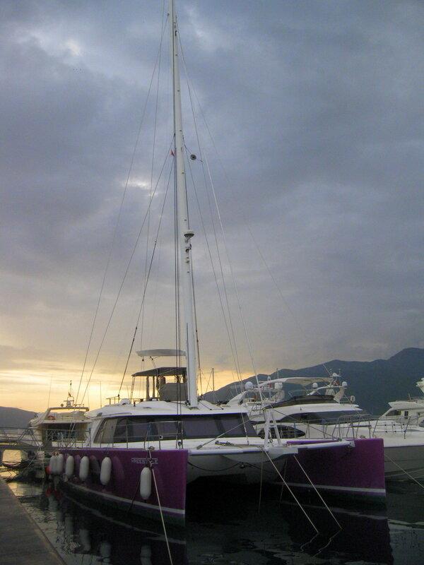 Тиват, яхт-марина Порто Монтенегро