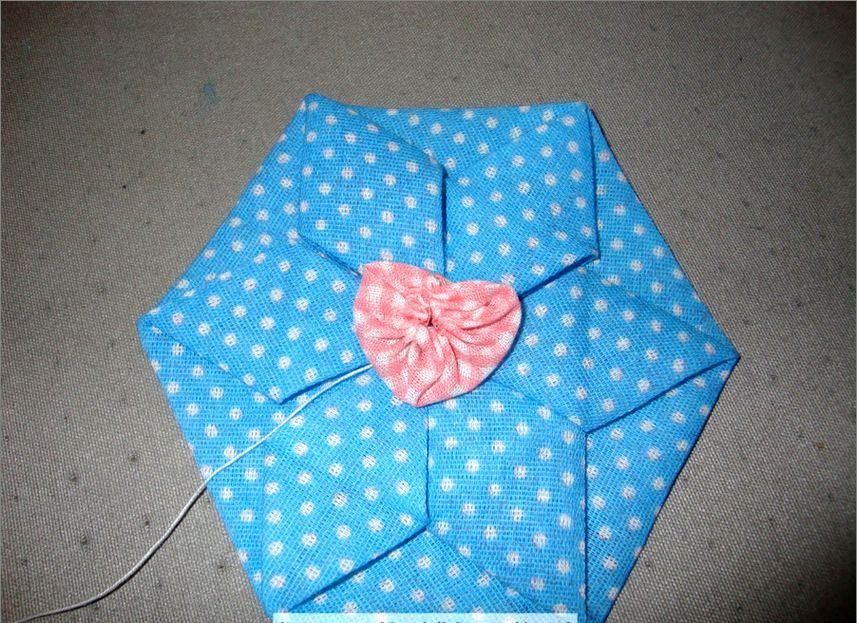 Украшение цветок из ткани