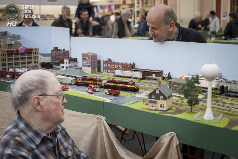 Enthusiasts Enjoy The London Festival of Railway Modelling