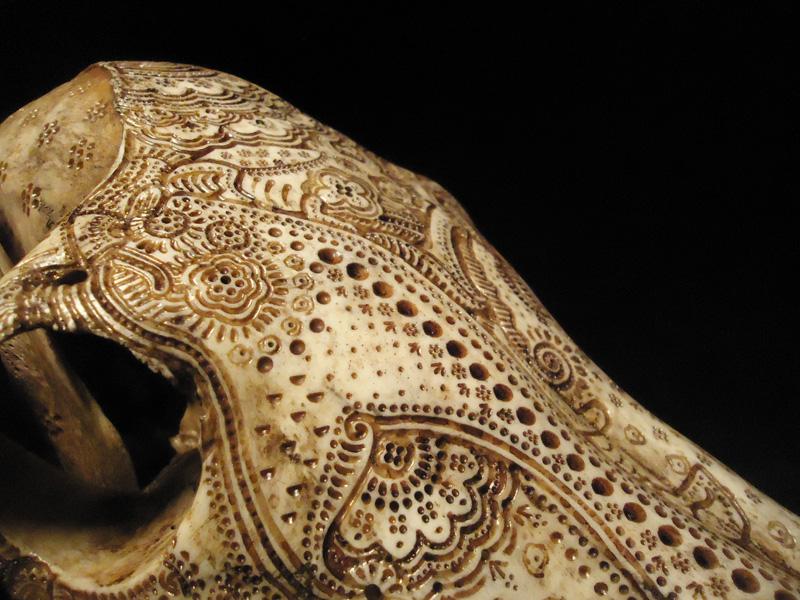 Декоративная резьба по черепу