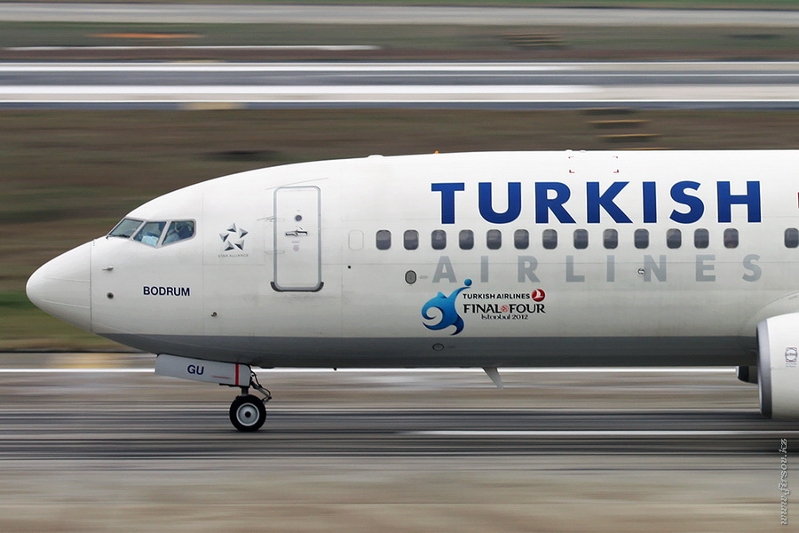 B-737_TC-JGU_Turkish_Airines_2_IST_for_.JPG