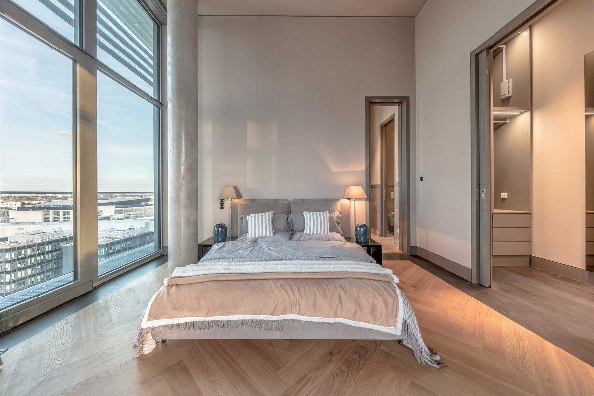 Пентхаус с видом на город, пентхаус в Берлине, пентхаус германия, помпезный дизайн интерьера, роскошный дизайн интерьера фото, роскошная квартира фото