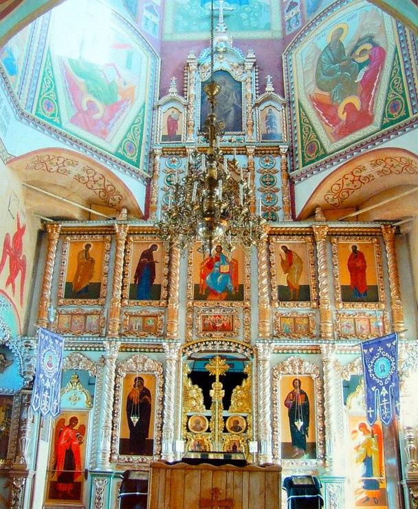 Главный иконостас Введенского храма