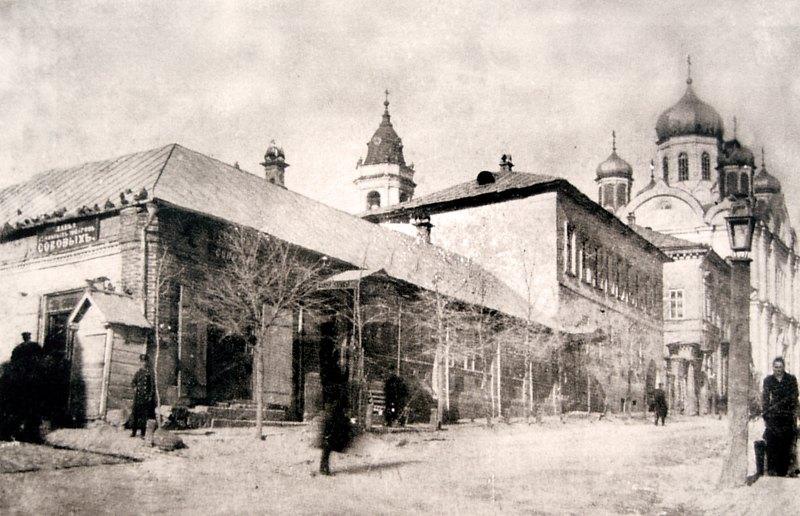 Вид на Архангельскую церковь