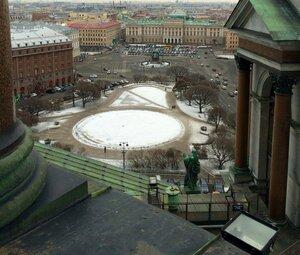 Исаакиевская площадь .