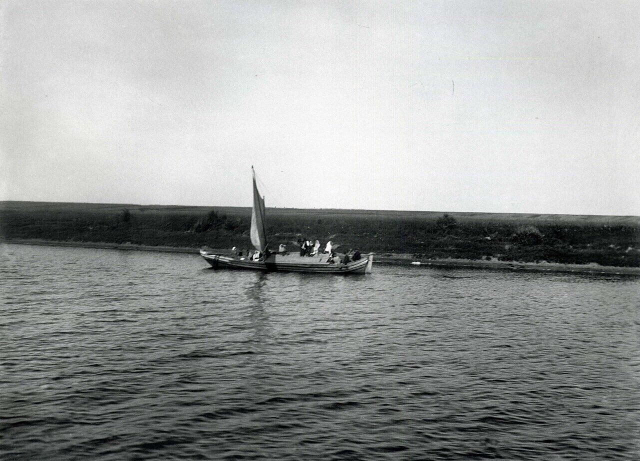 Береговой ландшафт в окрестностях Новгорода. 1911