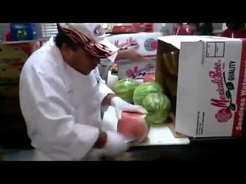 Как почистить арбуз?