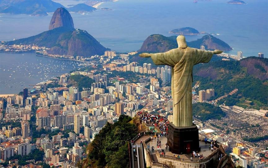 Хотя во многих других городах Бразилии число убийств намного выше, Рио-де-Жанейро — туристичес