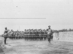 3-ий стрелковый полк проходит мимо места постройки новой казармы полка.