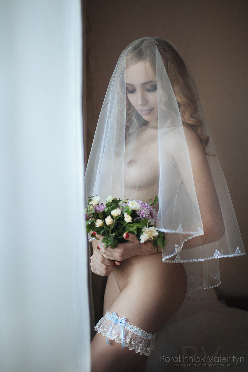 Brides naked romance