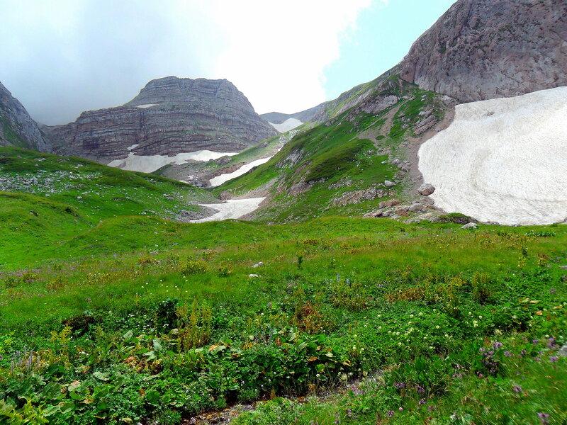 В горах, летнее впечатление