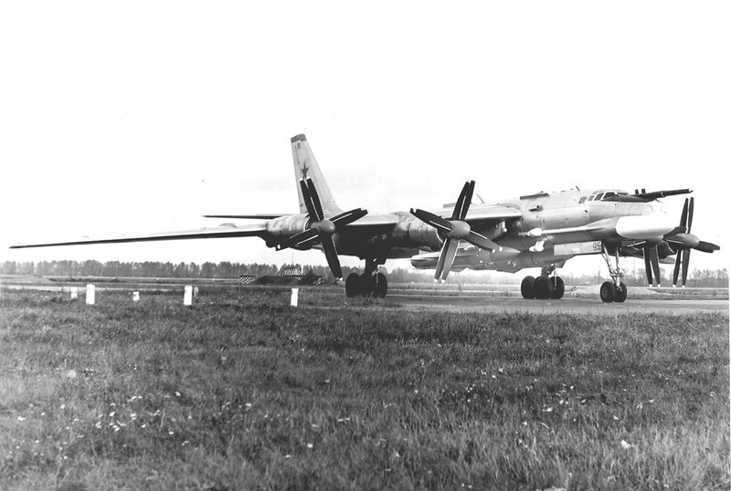 Tu-95K-22_02.jpg