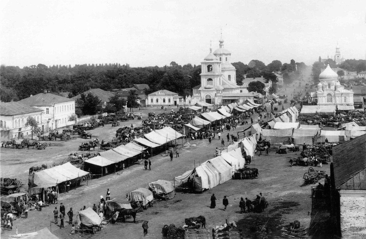 Вид на рыночную площадь с колокольни Покровской церкви. 1908.