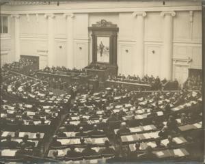 Историческое заседание 4-ой Государственной Думы 5 декабря 1912 г. Председатель Совета министров В.Н.Коковцов читает декларацию правительства
