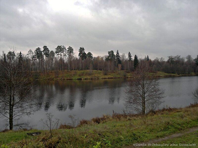 Барский пруд, и остров Большой. Вид от усадьбы Гребнево.