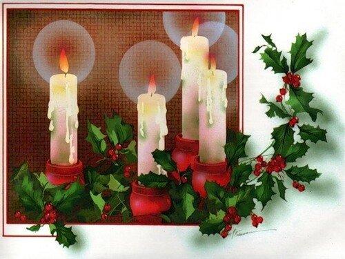 С Новым годом! Горят свечи, ветки с красными ягодами открытка поздравление картинка