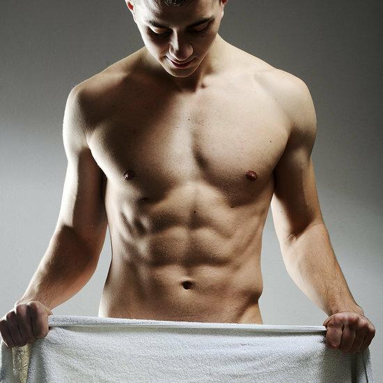 парень с полотенцем
