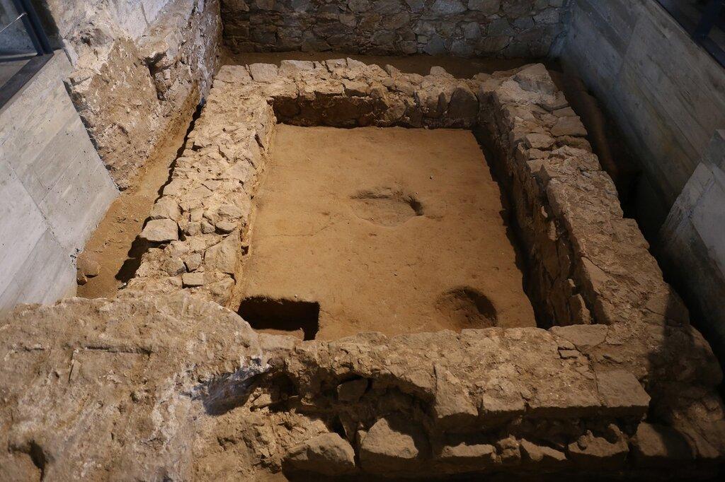 Морской музей БарселоныОстанки древнего фундамета