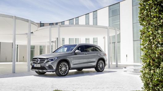 Daimler инвестирует эвро 500 млн напостройку завода аккамуляторных батарей