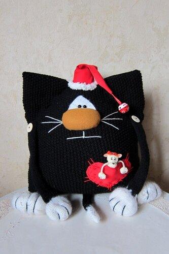 Рождественская кото-подушка.