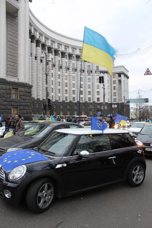 Блокировка улицы Грушевского