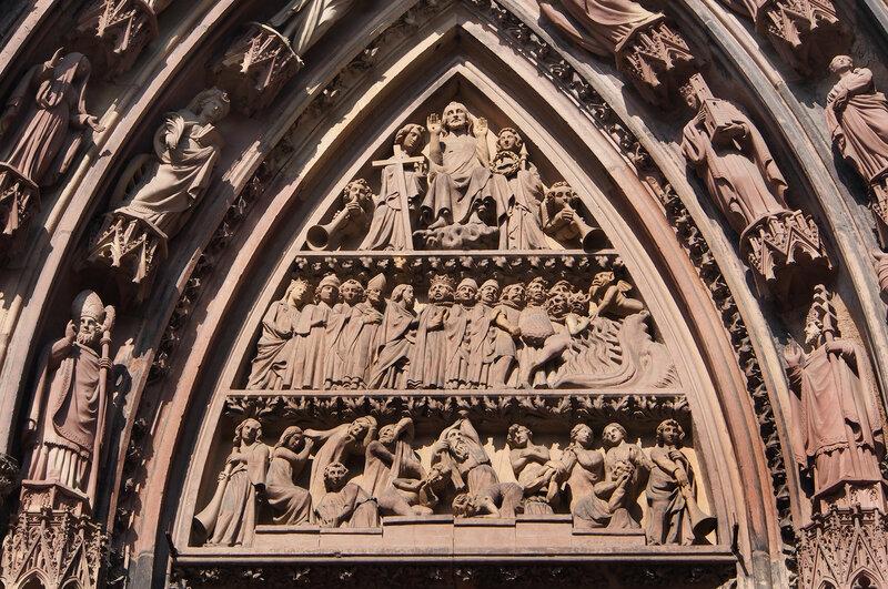 """Страсбургский собор. Правый вход. Тимпан """"Страшный суд"""""""