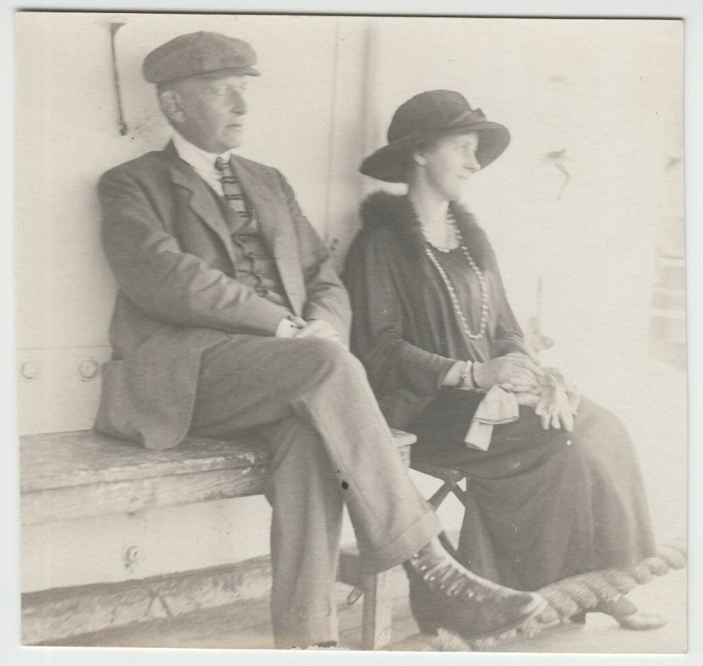 1923. Гвидо и Эвелин Майделл на корабле в США