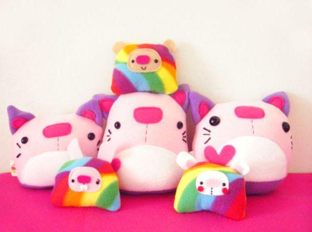 Яркие игрушки из плюша и фетра. Bright toys of plush and felt.