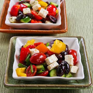 Как еще можно подать греческий салат