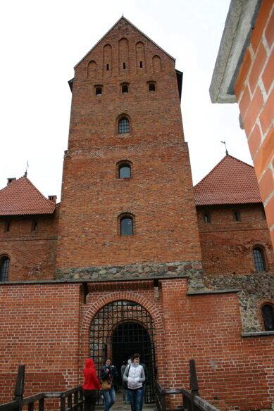 донжон (главная башня замка) вблизи