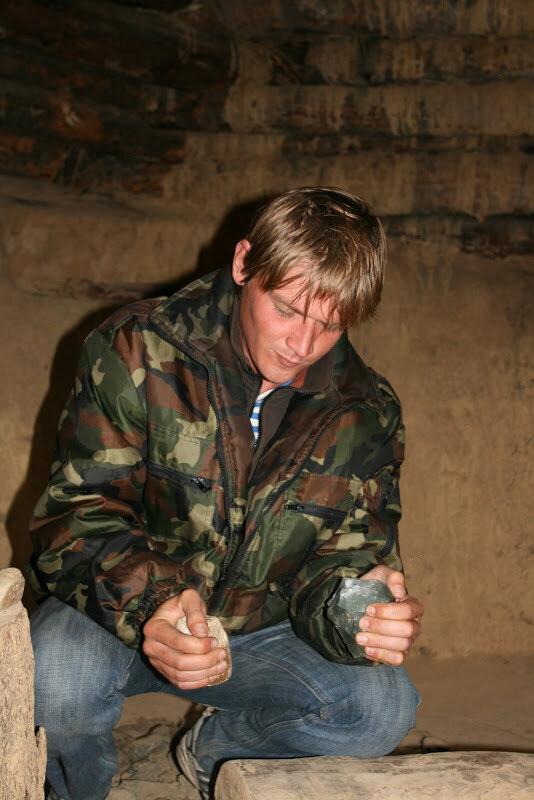 Мастер-класс, как соорудить камень-нож своими руками