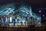 35 Дворец спорта Айсберг вечером