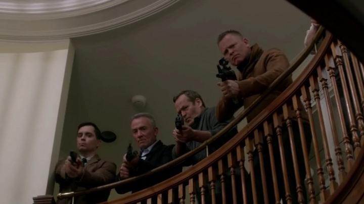 Актеры и персонажи эпизода 10.22 The Prisoner